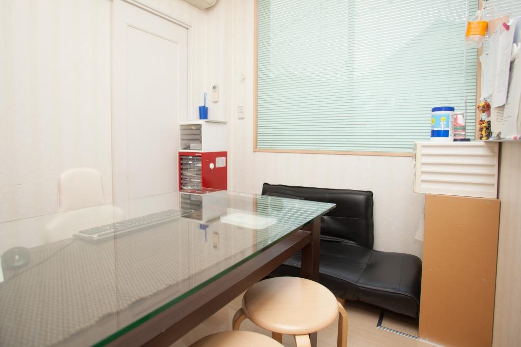 【カウンセリングルーム】完全個室になり、プライバシーを守ったままで様々なご相談をお聞きできます。